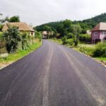 Asfalt pe un drum aflat la intrarea în Apuseni!
